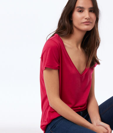 V-neck plain t-shirt fuchsia.
