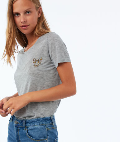 T-shirt with embroidery light mottled gray.