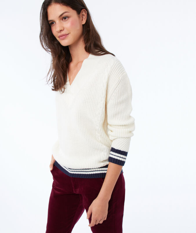 V-neck sweater with stripes ecru.