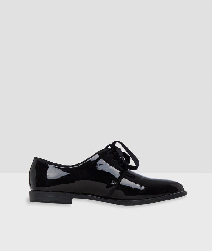 Polished gibsons black.