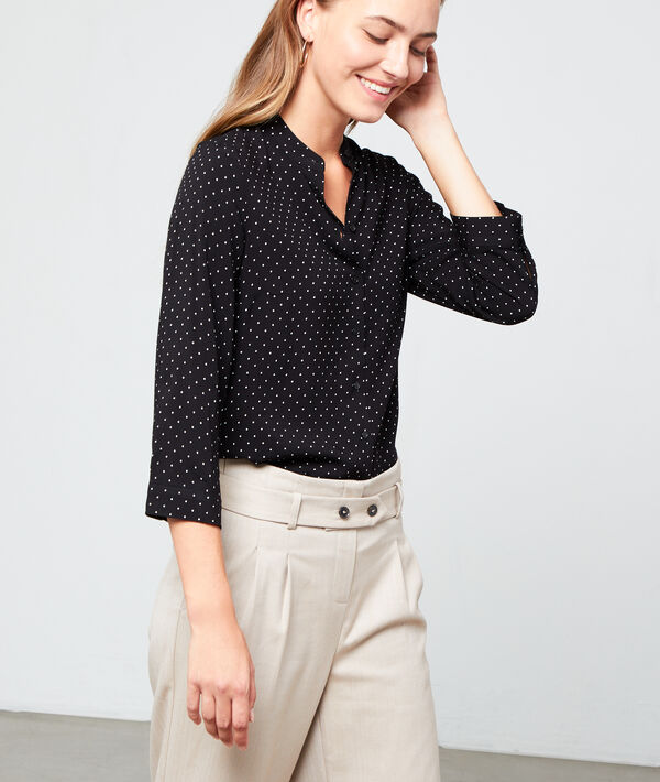 Round neck shirt in dots