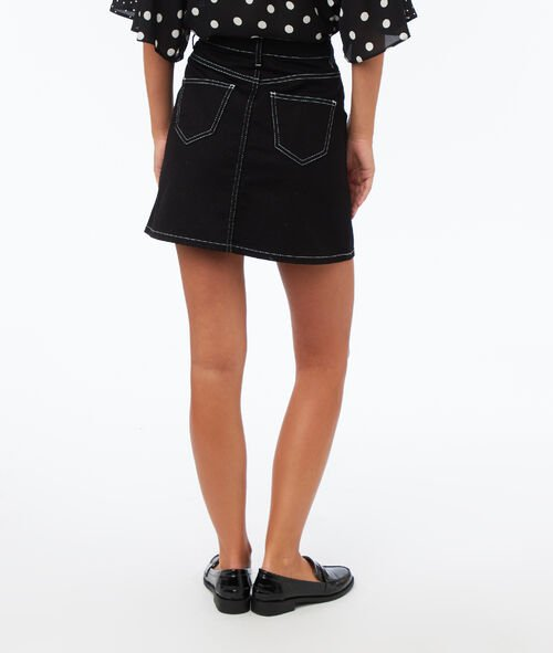Skirt with topstitched patch pockets