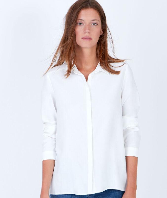 Long sleeve shirt white.