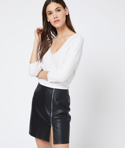 Leather look zipped skirt
