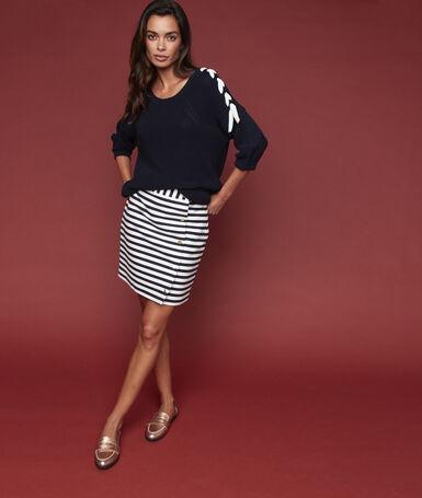 Buttoned skirt ecru.