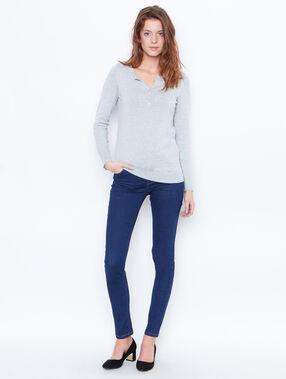 Skinny jeans raw denim.
