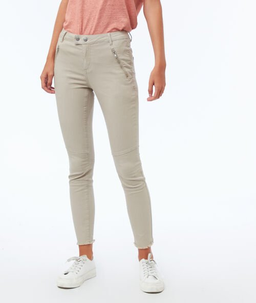 Slim-fit trousers with zipped pockets