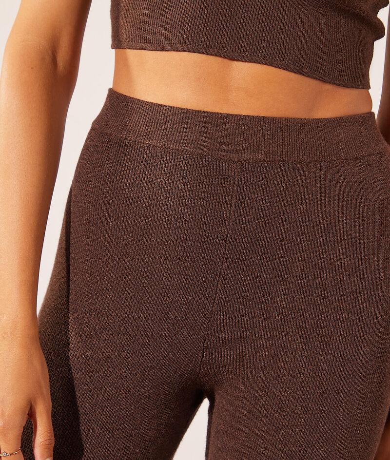 Eco-friendly knit leggings