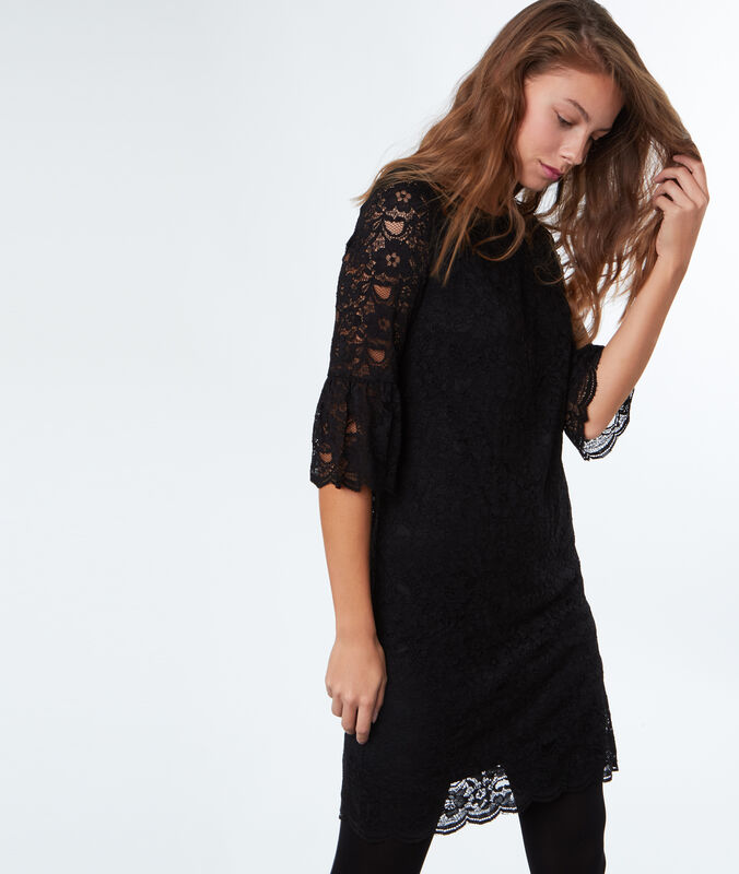 Lace dress with back knot black.