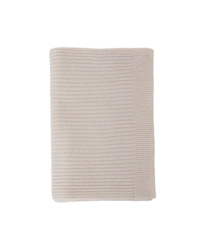 Écharpe fil métallisé rose pâle.