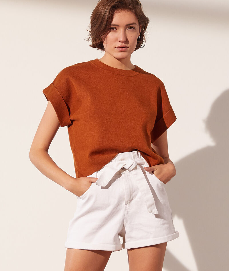 Knitted jumper with short sleeves